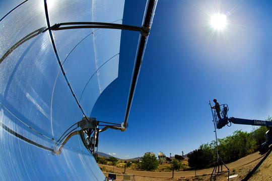 Pin mặt trời giảm 40% điện cho sân bay