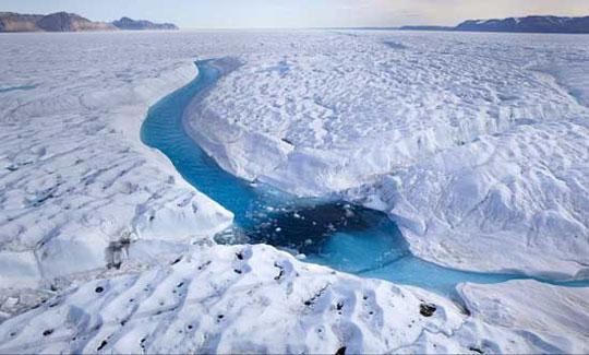 """Sông băng """"khóc"""""""