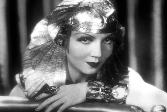 Cleopatra không phải là nữ vua đầu tiên trong triều đại của bà