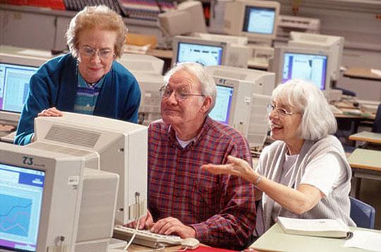 Thêm một mẫu máy tính dành cho người cao tuổi