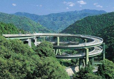 Đến Nhật Bản để chiêm ngưỡng những công trình cầu đường