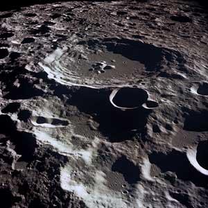 Nước trên Mặt Trăng có nguồn gốc từ một sao chổi