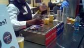 Máy rót bia từ đáy cốc rót lên