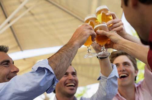 Thói quen uống của thanh thiếu niên là do di truyền