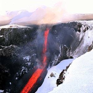 Siêu núi lửa phun lần đầu trong 600.000 năm đe dọa 2/3 nước Mỹ