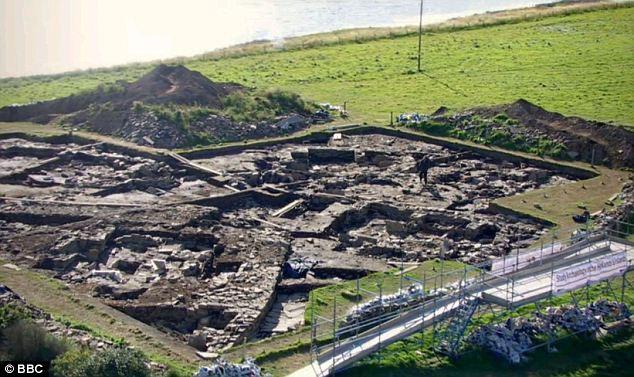 Đã tìm thấy những bức tường thành của ngôi đền cổ nhất nước Anh tại vị trí Orkney.