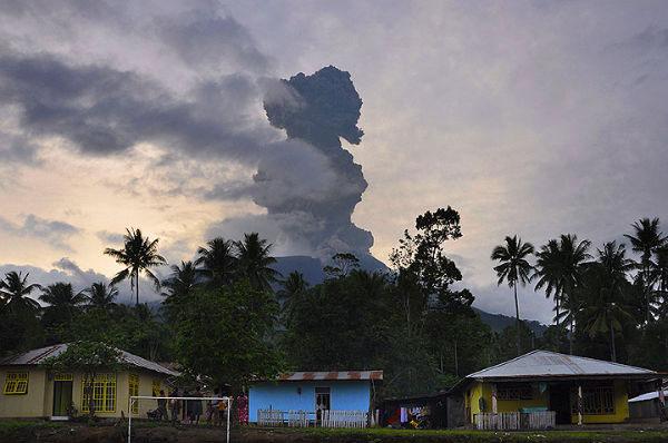 Indonesia: Nhiều núi lửa trong tình trạng báo động