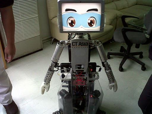 Thái Lan ra mắt robot chăm sóc người tàn tật