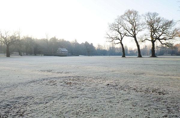 Ảnh đẹp: sáng mùa đông nước Anh khi nhiệt độ đột ngột giảm mạnh