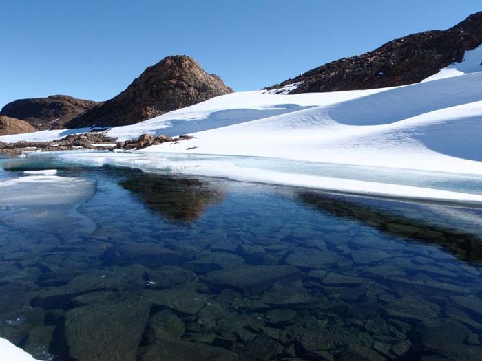Sự dịch chuyển kỳ bí hồ ở Nam cực
