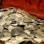 Trung Quốc phát hiện kho tiền cổ 3,5 tấn
