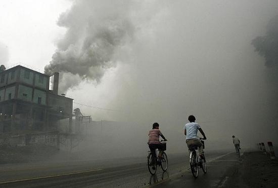 Không khí ô nhiễm ảnh hưởng lớn tới khả năng trí tuệ ở phụ nữ.