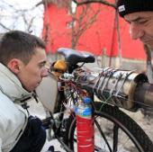 Video: Động cơ phản lực cho xe đạp