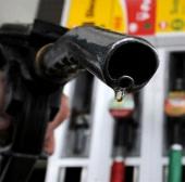 Đổ nhầm nhiên liệu có thể phá tan máy ôtô