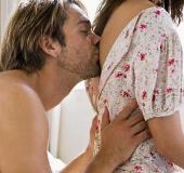 Đàn ông thỏa mãn hơn với bạn tình có eo thon