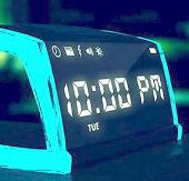Đồng hồ báo thức phóng điện