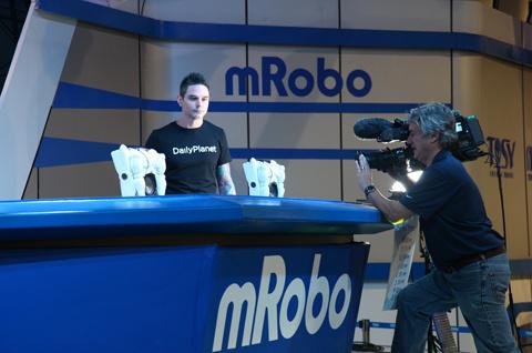 Robot Việt Nam thu hút sự chú ý của giới truyền thông nhiều nước thế giới.
