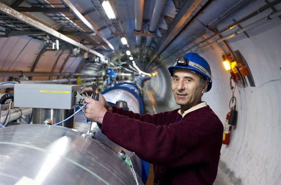 Trên lý thuyết, chiếc máy này được cho là sẽ chứng minh được sự tồn tại của hạt Higgs.
