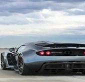 Video: Kỷ lục thế giới mới về khả năng tăng tốc của ô tô