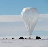 Kỷ lục khinh khí cầu trên Nam cực