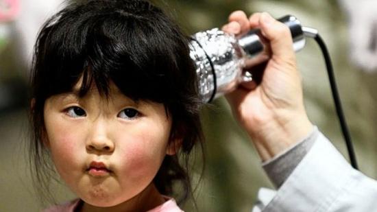 Kiểm tra phơi nhiễm phóng xạ ở trẻ em