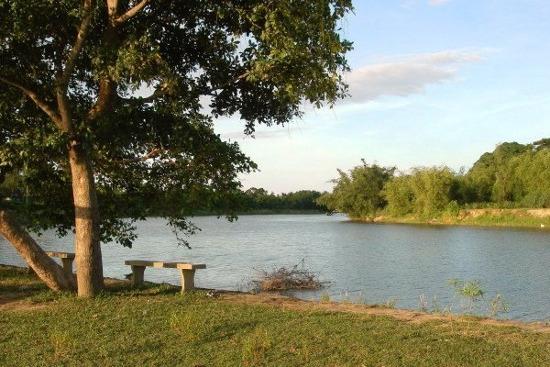 Một đoạn sông Ô Lâu.