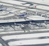 Tuyết rơi gây nhiễu loạn giao thông tại Nhật Bản