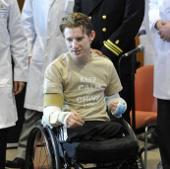Quân nhân Mỹ mất tứ chi được ghép hai cánh tay
