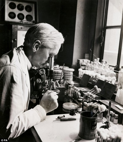 The story of penicillin (Events Science stories)