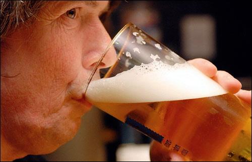 Bia rượu gây tử vong nhiều hơn AIDS