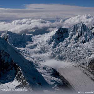Sông băng tại Peru tan chảy do biến đổi khí hậu