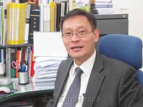 Kim Ung-Young - Tham gia các lớp đại học từ năm 3 tuổi