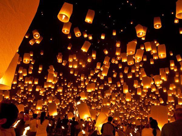 Lễ hội thả đèn trời ở Chiang Mai, Thái Lan