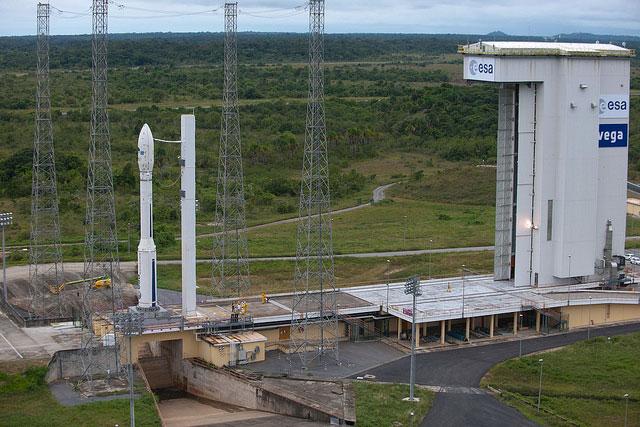 Châu Âu phóng thành công tên lửa đẩy Vega