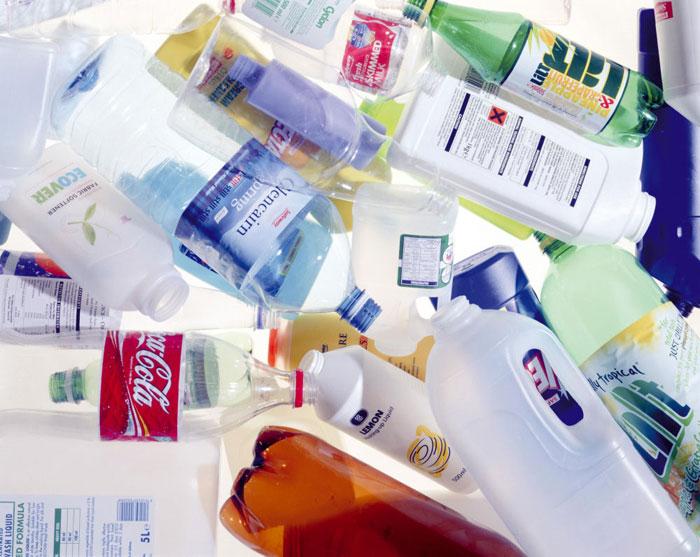 Chai nhựa cũng gây béo phì và tiểu đường