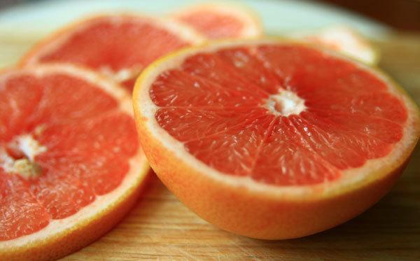 Trái cây họ cam, quýt ngừa đột quỵ ở phụ nữ