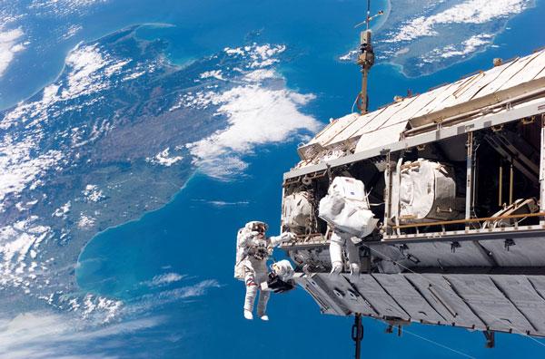 Canada thúc đẩy phát triển ngành không gian vũ trụ