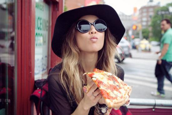Các bữa trưa muộn - sau 3 giờ chiều là nguyên nhân tăng cân.