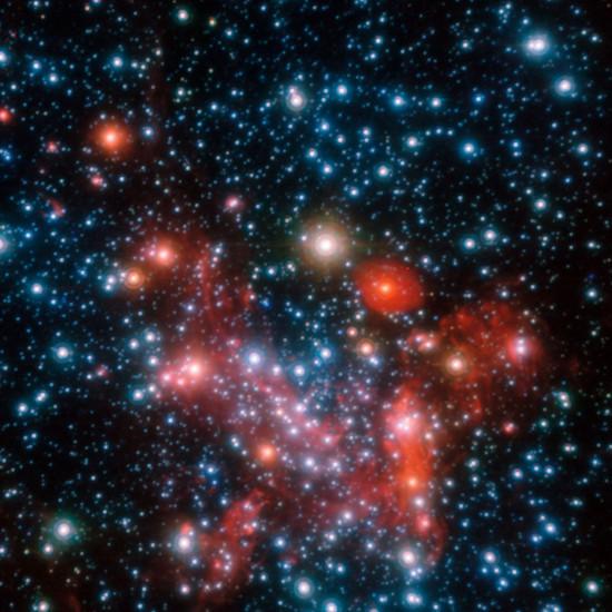 Hàng tỷ ngôi sao tồn tại ở trung tâm của dải Ngân Hà trong bức ảnh  do Kính thiên văn cực lớn của Đài thiên văn Nam Âu chụp.