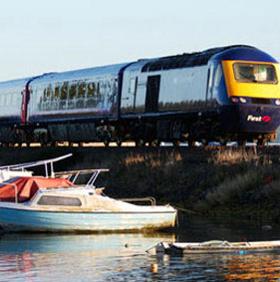 Tàu hỏa chạy pin có thể di chuyển 1000km