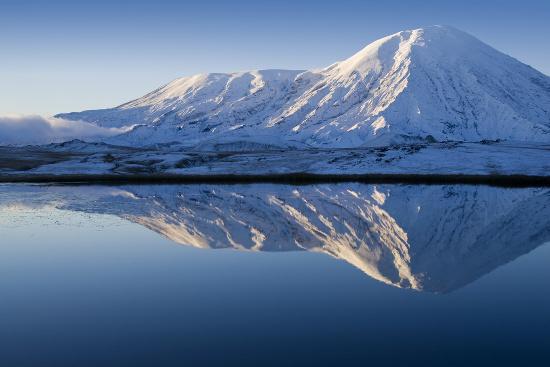 Giới khoa học vẫn đang tranh cãi về sự tồn tại của một con thủy quái trong hồ Labynkyr.