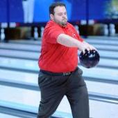 Video: Bái phục trước khả năng chơi Bowling thụt lùi