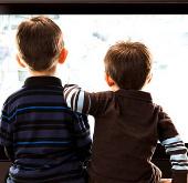 Trẻ nghiện tivi dễ dùng bạo lực