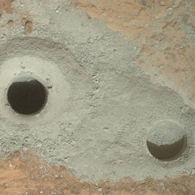 Tàu của NASA tìm thấy đá xám trên bề mặt sao Hỏa