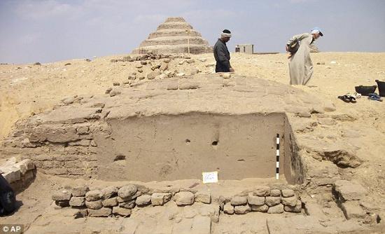 Một ngôi mộ cổ 3.300 tuổi của thị trưởng thủ đô Ai Cập cổ đại được phát hiện.