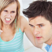 Tại sao đàn ông khó đọc cảm xúc hơn phụ nữ?