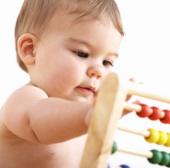 Trẻ 7 tháng tuổi có thể học song ngữ