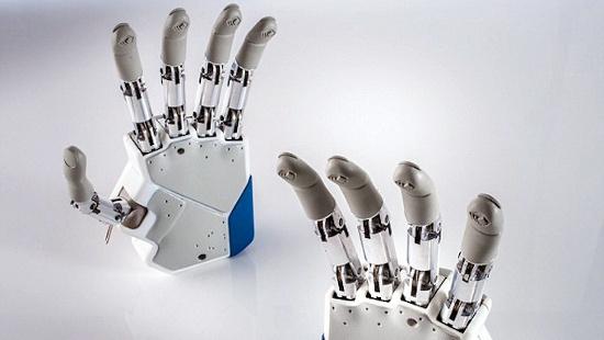 Bàn tay nhân tạo là bộ phận giả đầu tiên mang đến những phản hồi cảm giác y như thật cho bệnh nhân