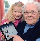 Facebook giúp người già minh mẫn hơn