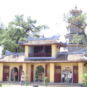 Thừa Thiên Huế nhận giải Cố đô về KH - CN